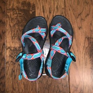 Chacos Z/Volv X